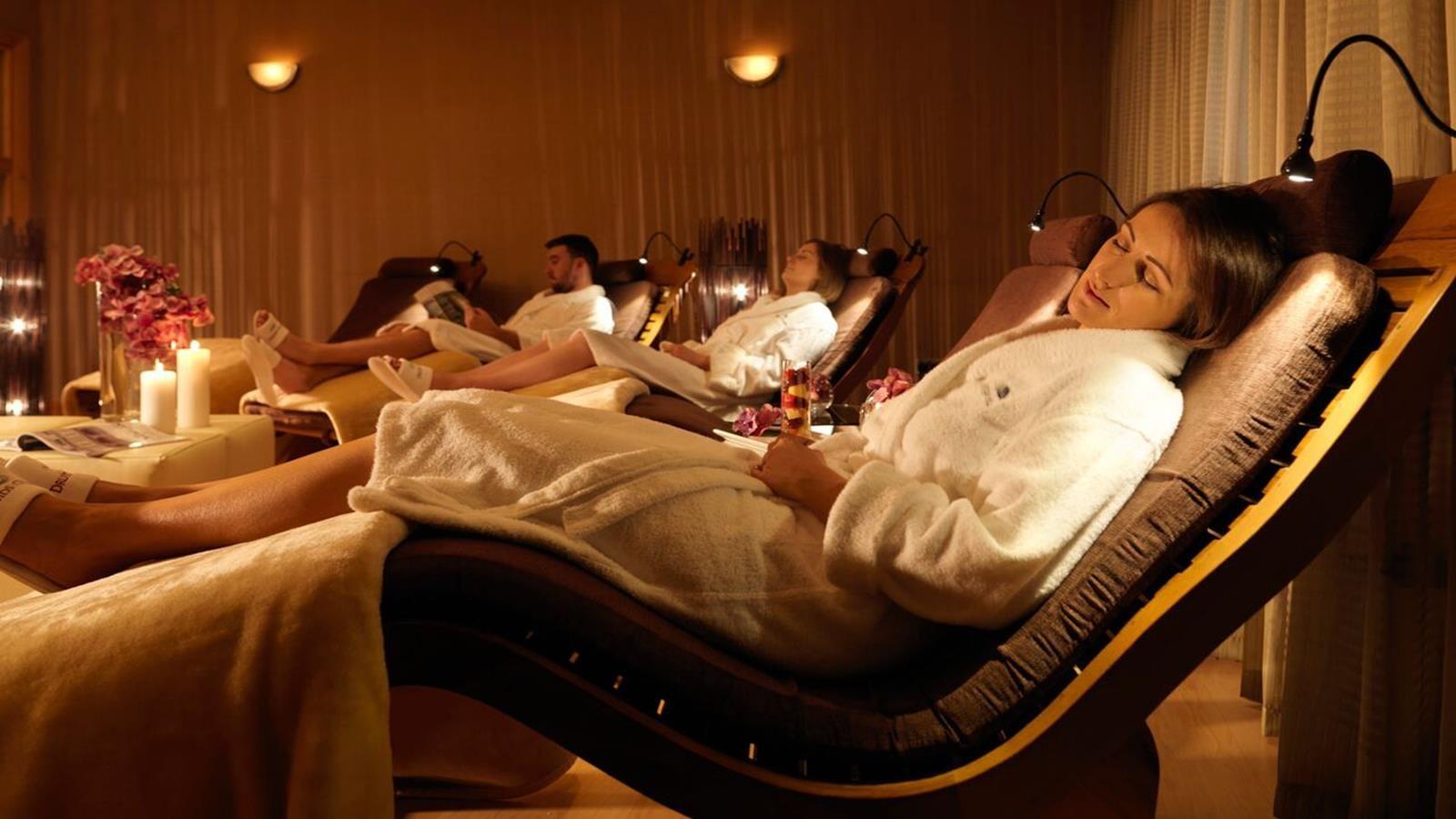 Spa hotels ireland druids glen hotel golf resort for Hotel spa paris couple